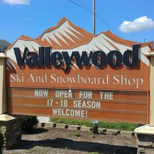 Valleywood Ski and Snowboard Shop